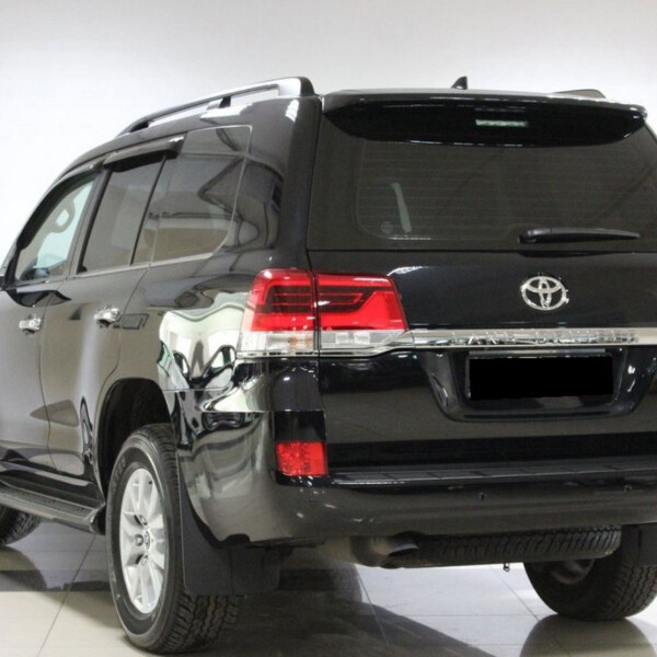Toyota Land Cruiser 200 из Германии (15487)