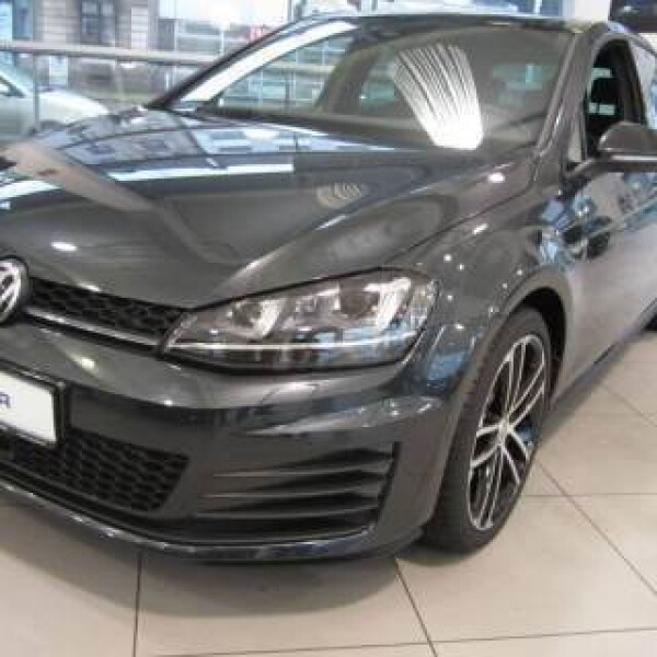 Volkswagen Golf из Германии (7134)