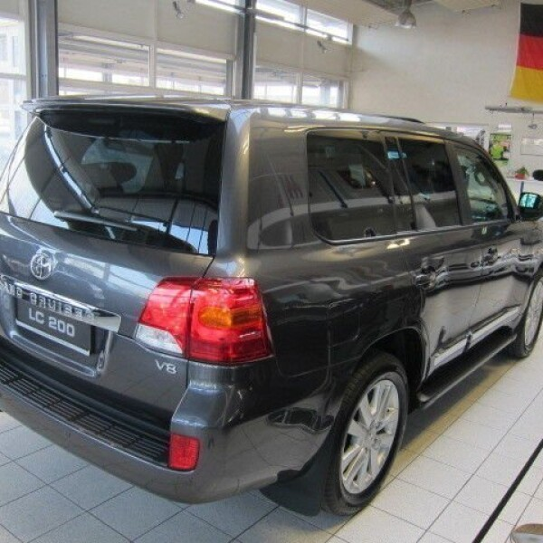 Toyota Land Cruiser 200 из Германии (7438)