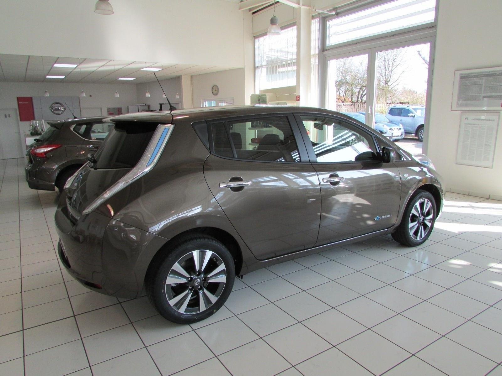 Продажа Nissan Leaf (Ниссан Лиф) в России