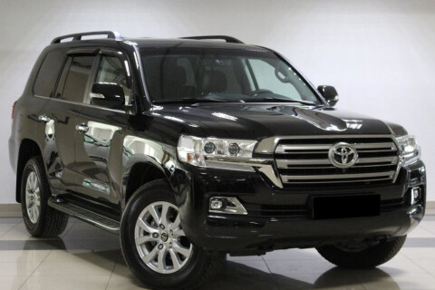 Toyota Land Cruiser 200 V8 4.5D Executive